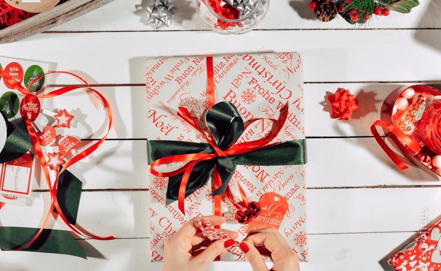 Amato Come realizzare pacchetti regalo natalizi in stile classico con  OQ29