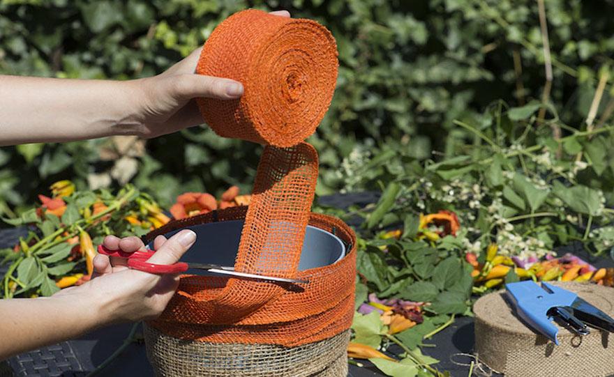 Decorazione Vasi Da Giardino : Idee per rivestire i vasi con la juta: giardinaggio e composizione